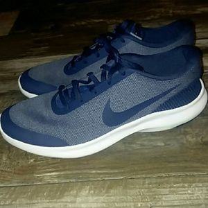 Navy blue Nike flex experience rn 7 shoes